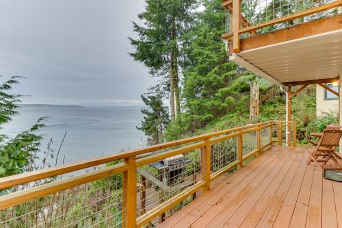 The Cabin at Oak Bay - Port Ludlow, WA Vacation Rental