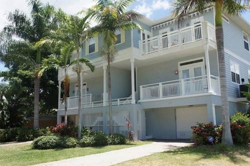 Nautical Breeze - Cortez, FL Vacation Rental