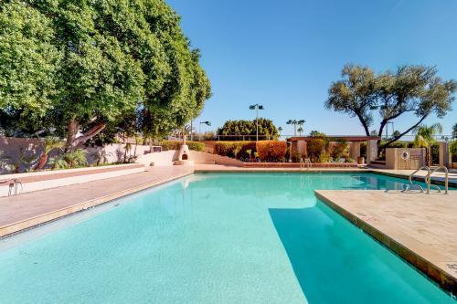 Spanish Pueblo - Mesa, AZ Vacation Rental
