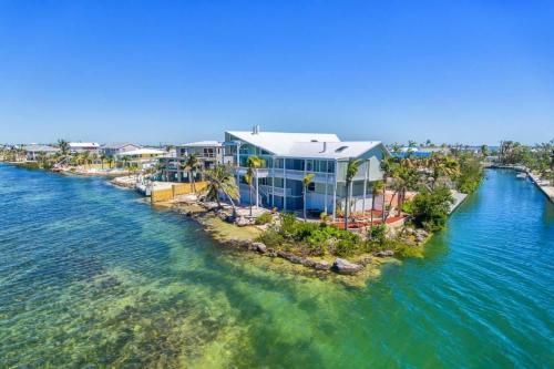 Captain's Quarters - Cudjoe Key, FL Vacation Rental