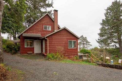 Red House - Otter Rock, OR Vacation Rental