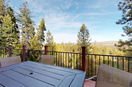 Pine Mountain Getaway (02-461 A) - Groveland, CA Vacation Rental