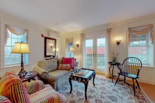 Suites at Belfast Bay #203 - Belfast, ME Vacation Rental