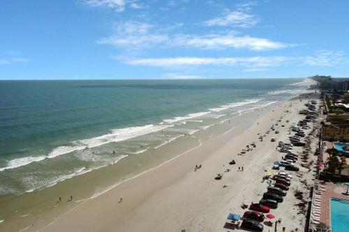 Daytona Inn Unit 225 - Daytona Beach, FL Vacation Rental