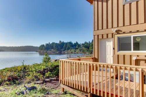Floras Lake Rental - Apartment - Langlois, OR Vacation Rental