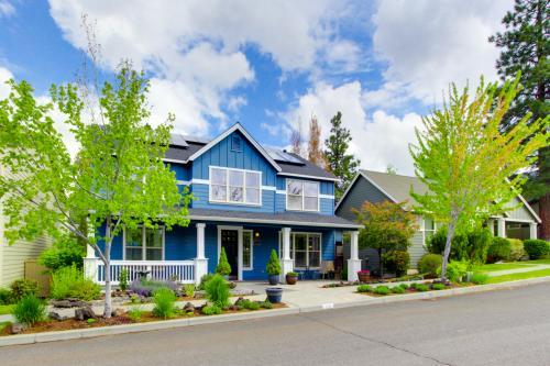 Outlook Vista Home & Westside  Loft - Bend, OR Vacation Rental