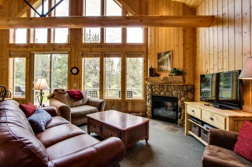 Eagle Crest Red Wing Chalet -  Vacation Rental - Photo 1