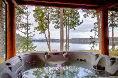 Hayden  Lake Sunset Solitude  - Hayden Lake, ID Vacation Rental