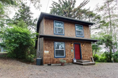 The Rockaway House - Rockaway Beach, OR Vacation Rental