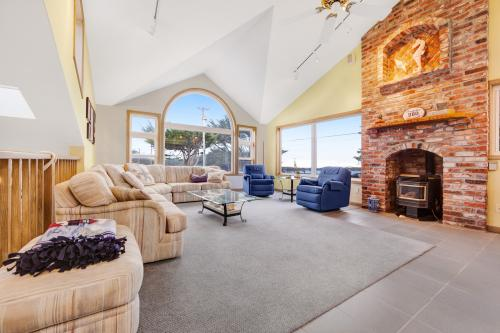Brudaden Beach House - Bodega Bay, CA Vacation Rental