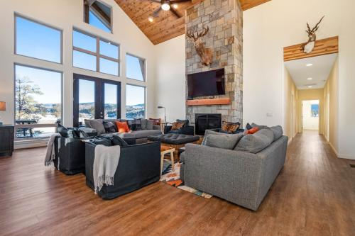 Timberwolf Lookout - Chromo, CO Vacation Rental