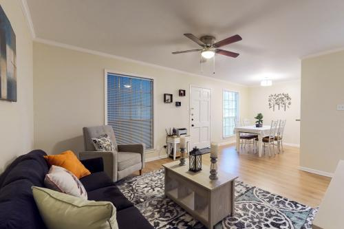 Sunrise Condo - San Antonio, TX Vacation Rental