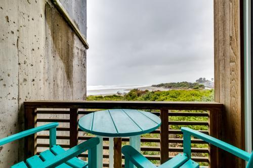 The Adirondack #208 - Rockaway Beach, OR Vacation Rental