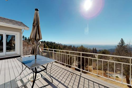 Heavenly Hideaway - Running Springs, CA Vacation Rental