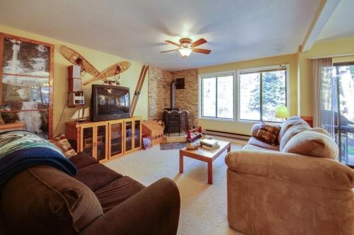 Aspen Village Golf Course Condo - Snowshoes - McCall Vacation Rental