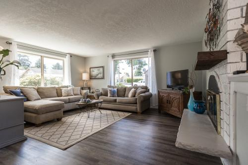 Seashell Beach House - Seaside, OR Vacation Rental