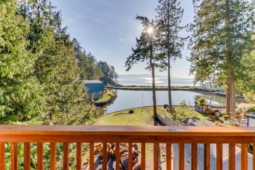 Webster Lane Waterfront - Lilliwaup, WA Vacation Rental