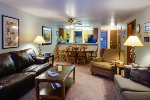 Aspen Village Golf Course Condo - Fairways 71 - McCall Vacation Rental