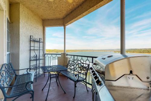 Lake View on The Island - Lago Vista, TX Vacation Rental