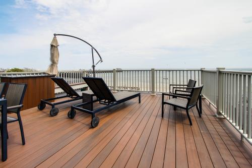 The Waterfront Penthouse - Provincetown, MA Vacation Rental