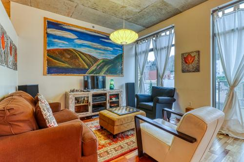 Oak Street Loft - Hood River, OR Vacation Rental