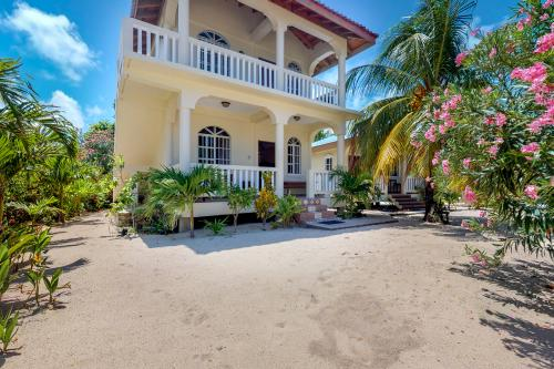 Cabana Ground @ Sandy Feet - Placencia, Belize Vacation Rental