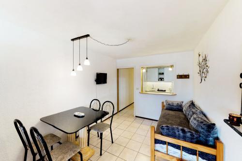 Completo Monoambiente para 3 en Avenida Italia - Edificio Luna de Mar - Punta del Este, Uruguay Vacation Rental