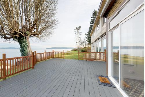Bay Street Oasis - Port Orchard, WA Vacation Rental