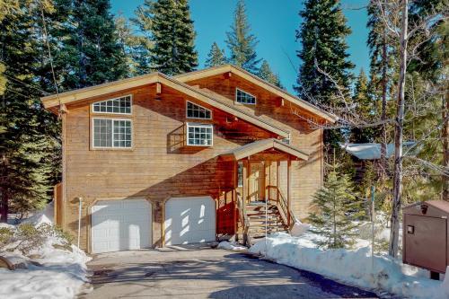 Fawn Lodge* - Tahoe Vista, CA Vacation Rental
