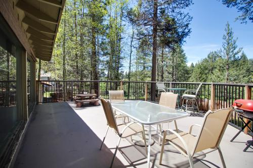 Family Home between the Fairways with Views! - South Lake Tahoe, CA Vacation Rental