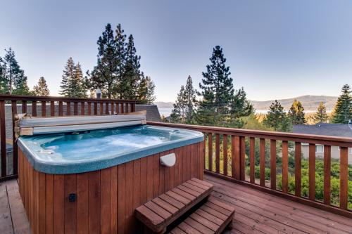 Lakeview Tree House* - Tahoe City, CA Vacation Rental
