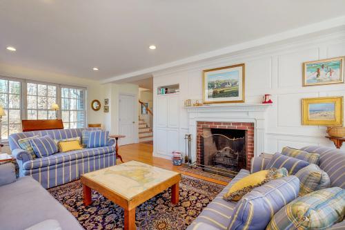 Gooseberry Manor - Vineyard Haven, MA Vacation Rental