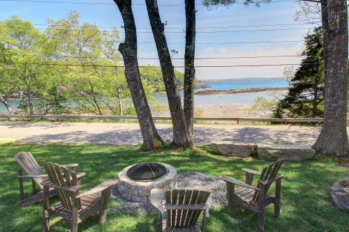 Barrett's Watch Cottage and Retreat - Boothbay Harbor, ME Vacation Rental