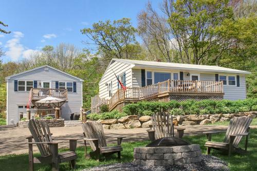 Barrett's Watch Cottage and Retreat -  Vacation Rental - Photo 1