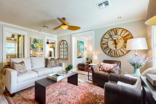 Hideaway Cottage - Blanco, TX Vacation Rental