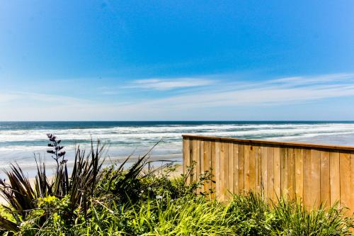 Sunset Cottage - South Beach, OR Vacation Rental