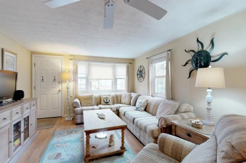 Captain's Quarters - West Yarmouth, MA Vacation Rental