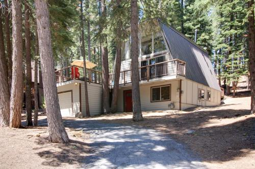 Chapel Lane with Gameroom - Tahoe City, CA Vacation Rental
