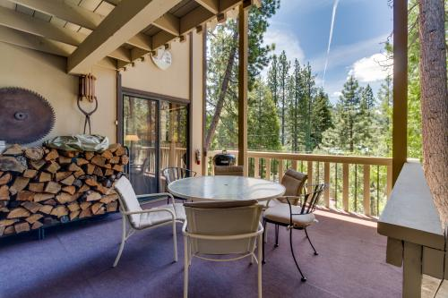 Donner Lake Cedar Lodge -  Vacation Rental - Photo 1