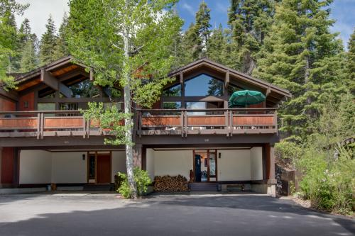Chinquapin Lake View - Tahoe City, CA Vacation Rental