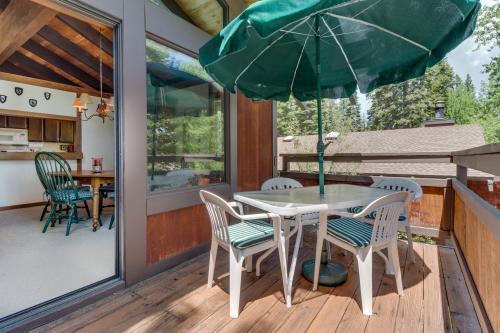 Tahoe city vacation rentals vacation homes vacasa for Tahoe city cabin rentals