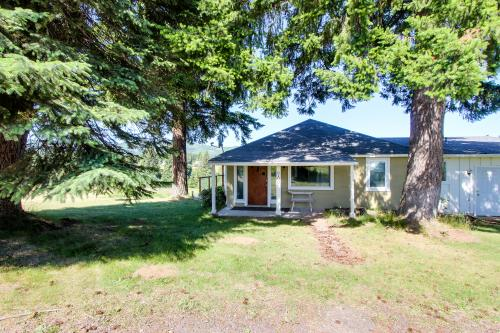 Billings Country Cottage - Parkdale, OR Vacation Rental