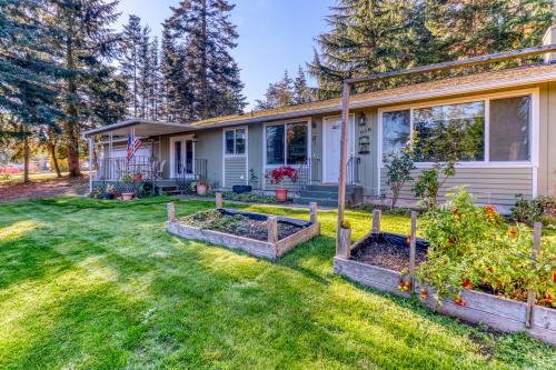 Camano Island Charmer - Main House - Camano Island, WA Vacation Rental