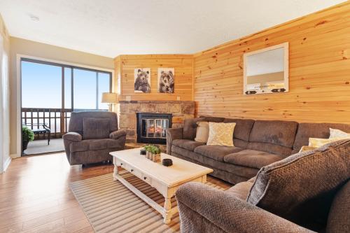 Mountain Top Retreat - Gatlinburg, TN Vacation Rental