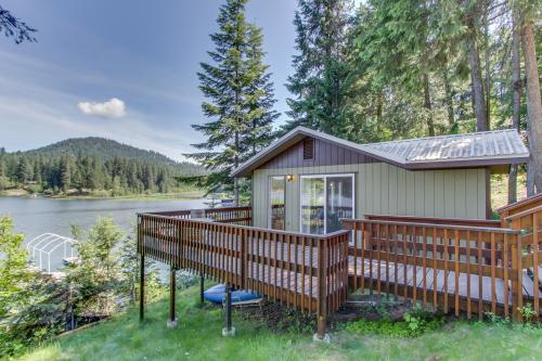 Kraft Cabin At Hayden Lake -  Vacation Rental - Photo 1