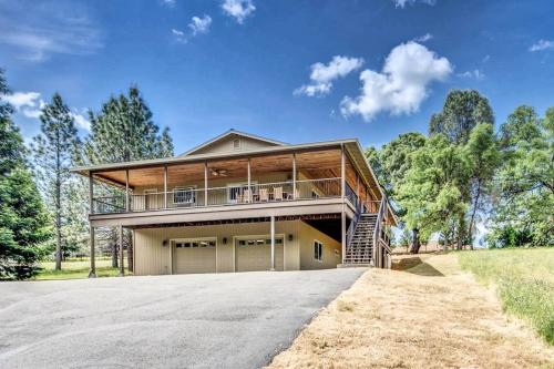 Rock Canyon Lodge - Groveland, CA Vacation Rental
