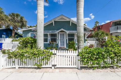 Shady Mango - Anna Maria, FL Vacation Rental