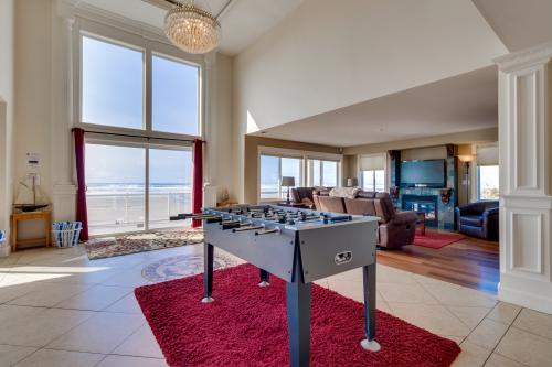 Rockaway Beach Villa - Rockaway Beach, OR Vacation Rental
