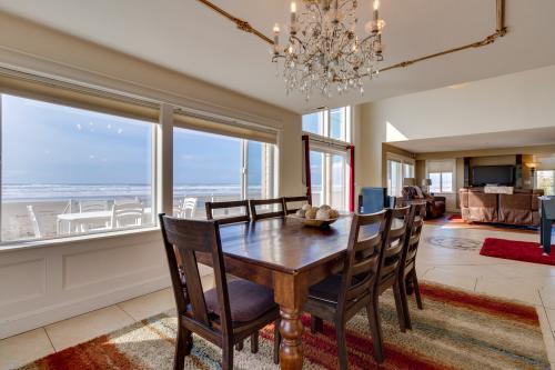 Luxury Beach Villa - 4 BD option - Rockaway Beach, OR Vacation Rental