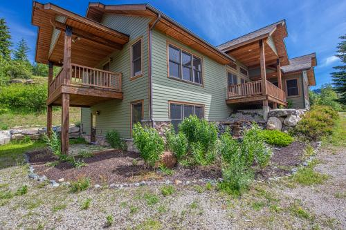 Trout Creek Home - Sandpoint, ID Vacation Rental